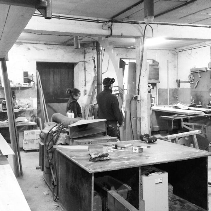 Atelier-de-la-croisiere-Vue-sur-l'atelier-en-cours-de-fabrications