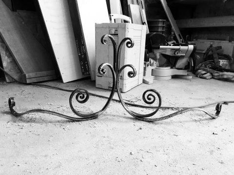motif-de-décor-en-fer-forgé-pour-la-marquise