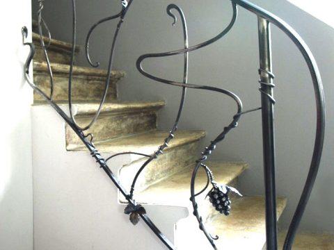 Rampe-descalier-en-fer-forgé