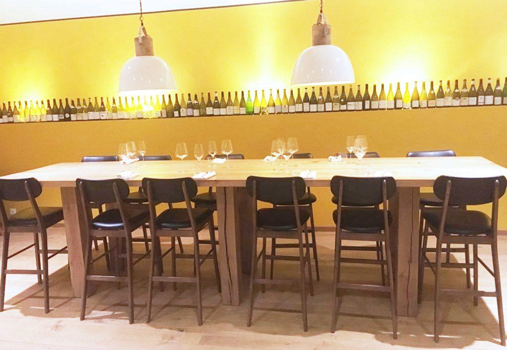 mange-debout en chêne massif 4m,20-de-longueur,-14-places,-Restaurant-Le-Soufflot-Meursault