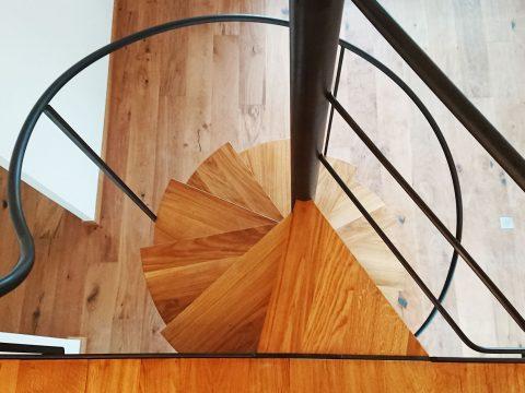 Escalier-Bois-Métal--escalier-colimaçon-bois-et-métal-2